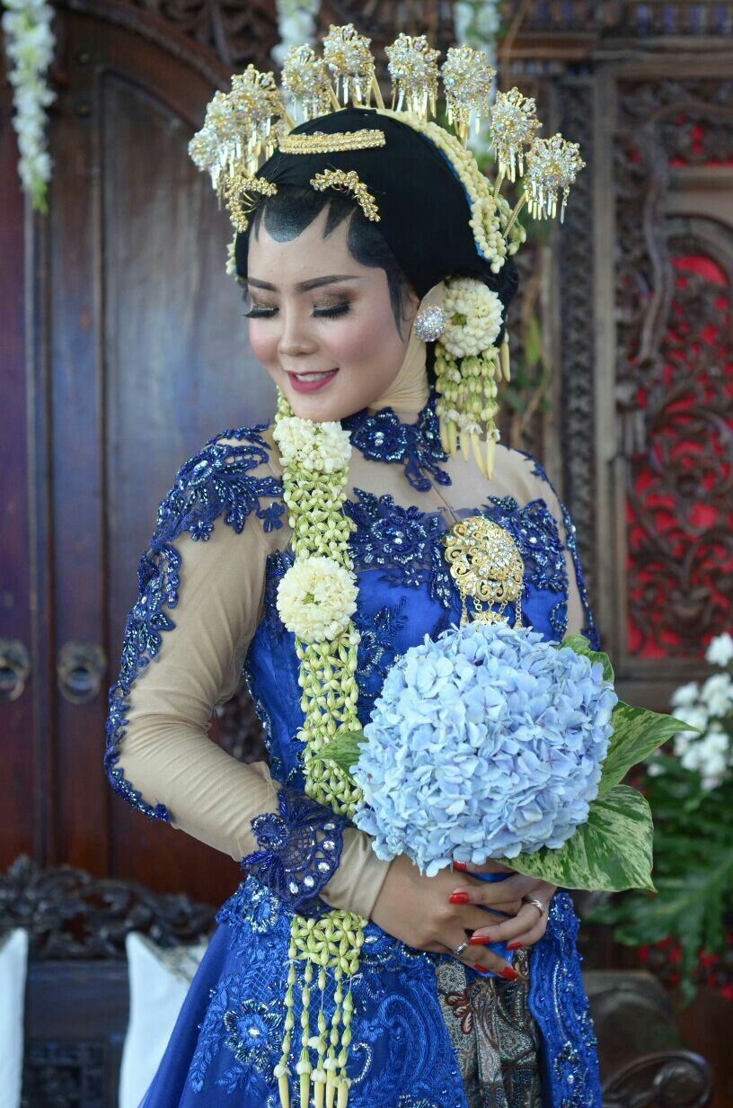 "Kebaya and make up by aii one wedding galery ""Sunda"
