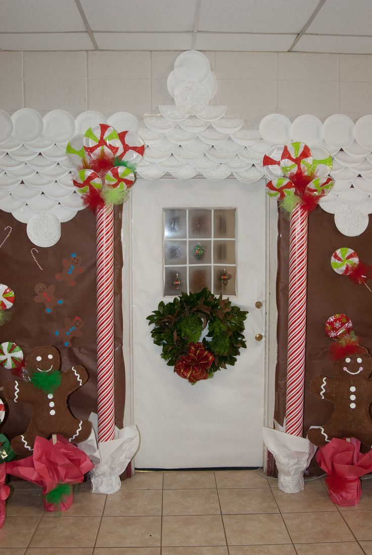 Pin by Tia Frey on Gingerbread | Christmas decorations to ...