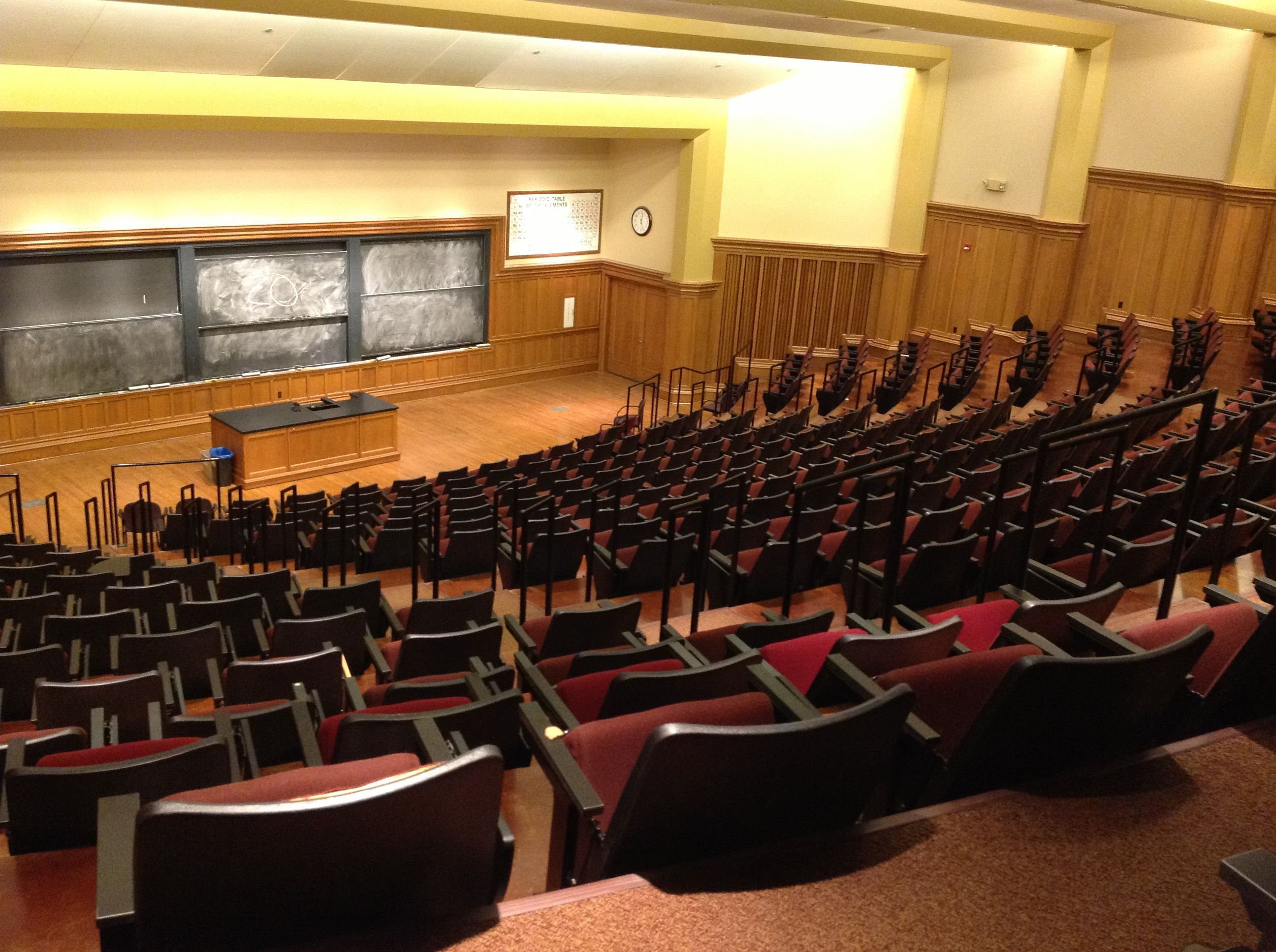 lethargy in large lecture halls Theater style seating in large lecture halls, poor acoustics, a lack of  a good technique for countering the effects of large lecture lethargy involves having.