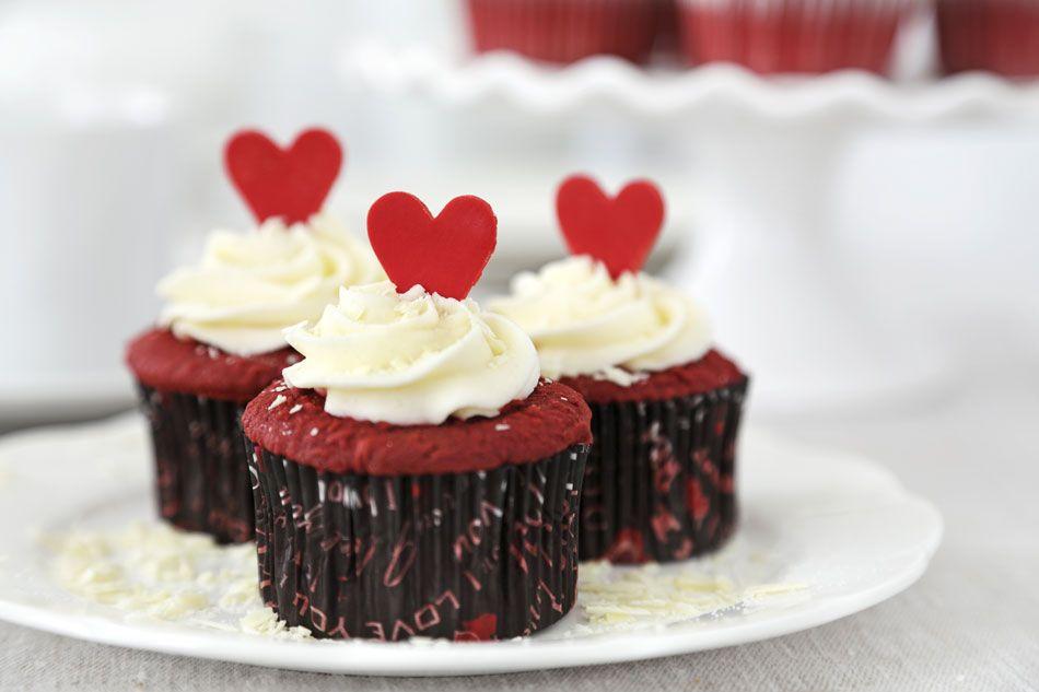 ريد فلفيت كب كيك Valentines Cupcakes Savoury Cake Food