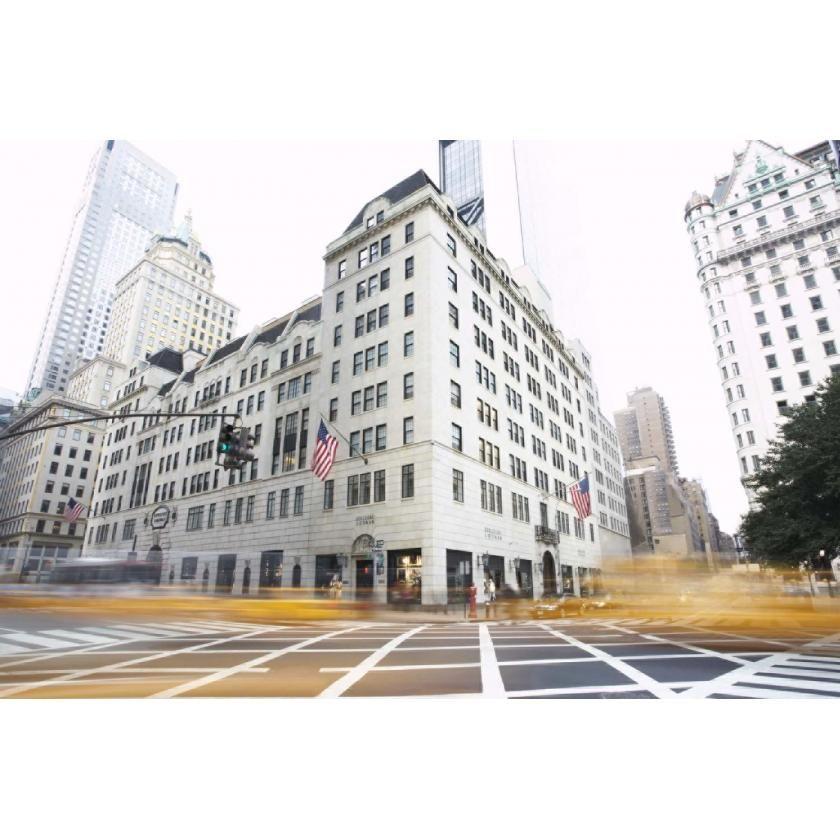Ihre Lieblingsgegend für einen ausgedehnten Shoppingtag? Uptown Manhattan! Hier kauft Elin z.B. gerne bei Bergdorf Goodman ein – das Luxuskaufhaus gibt es bereits seit 1929