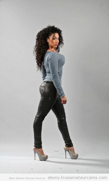 Ebony amauters