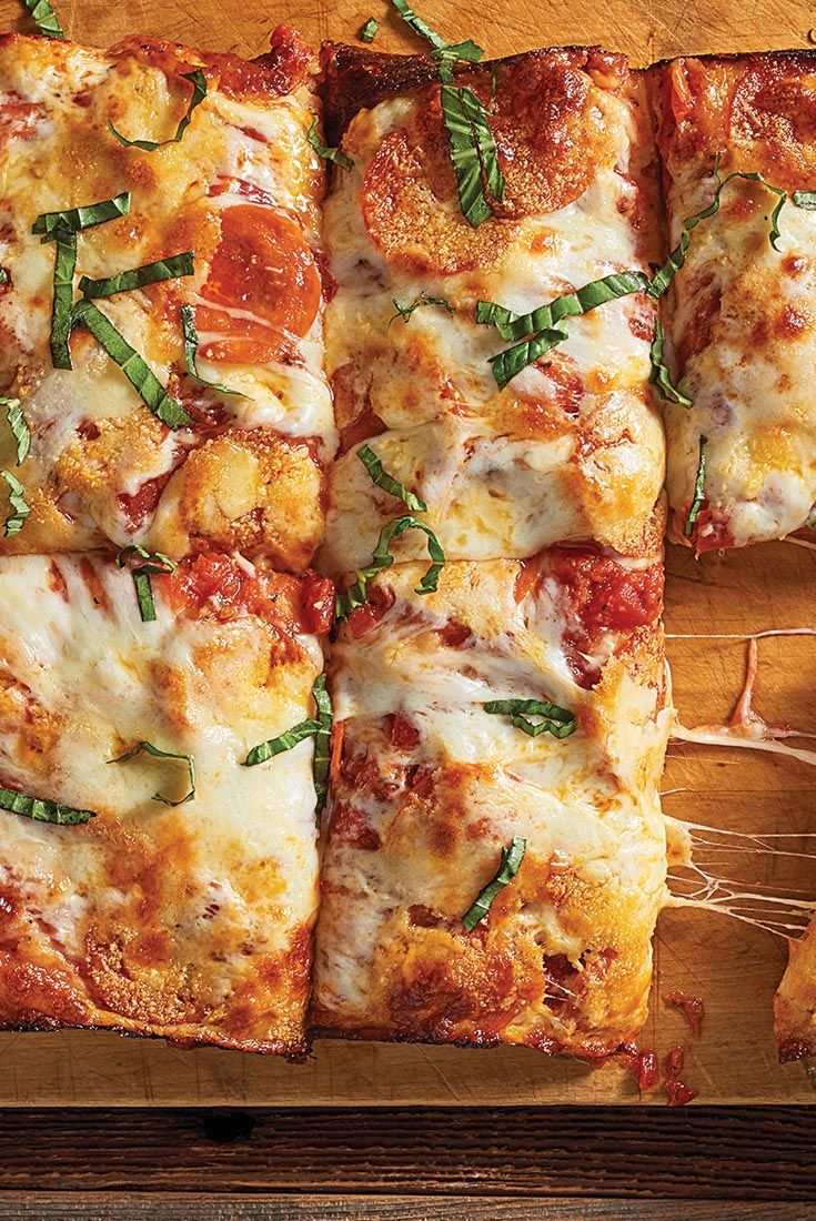No Knead Deep Dish Pizza Recipe Pizza In 2019 Deep Dish