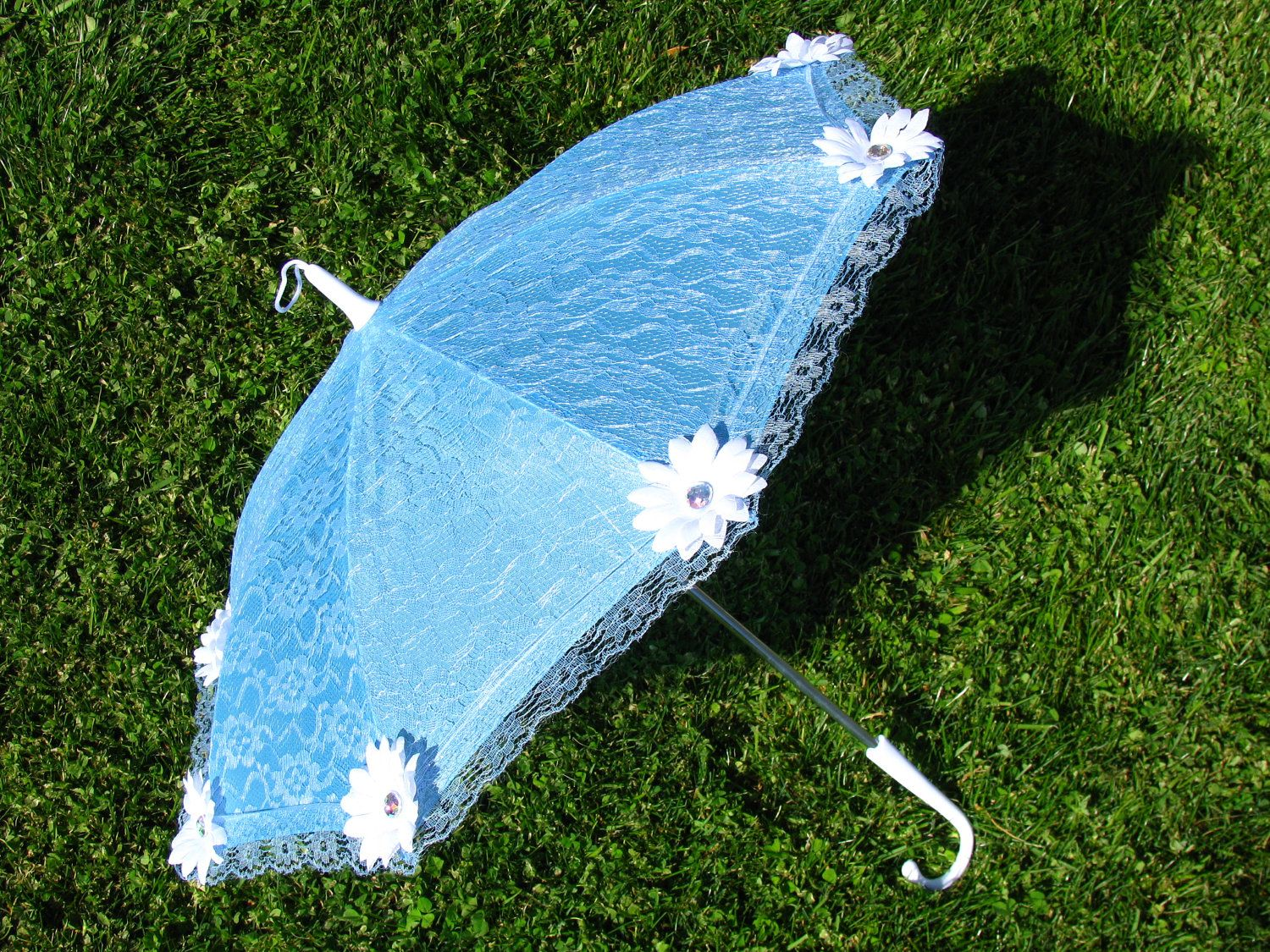 Baby Blue - Lace - White Daisy Sun Umbrella