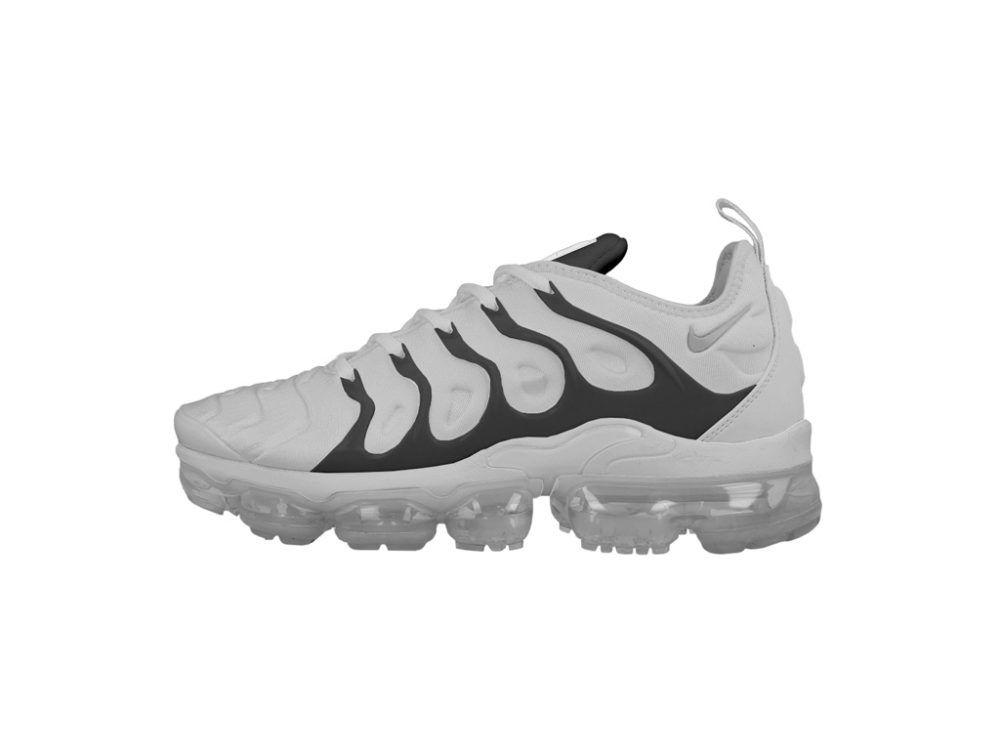 Download Nike Air Vapormax Sneaker Mockup Mockupworld Nike Air Vapormax Nike Air Sneakers
