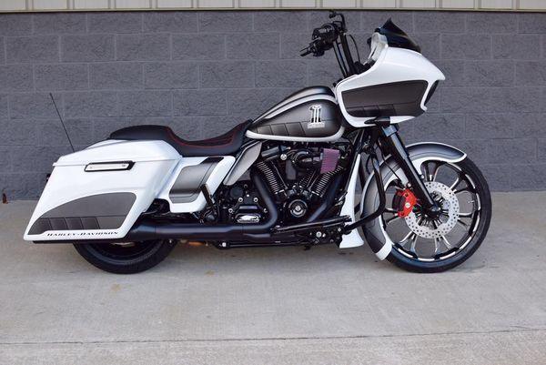 BX Custom Designs 2017 Custom Harley-Davidson Road Glide ...