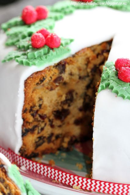 Mia Bella Passions: Let's bake 'Grace Wilsons' Christmas Cake.....