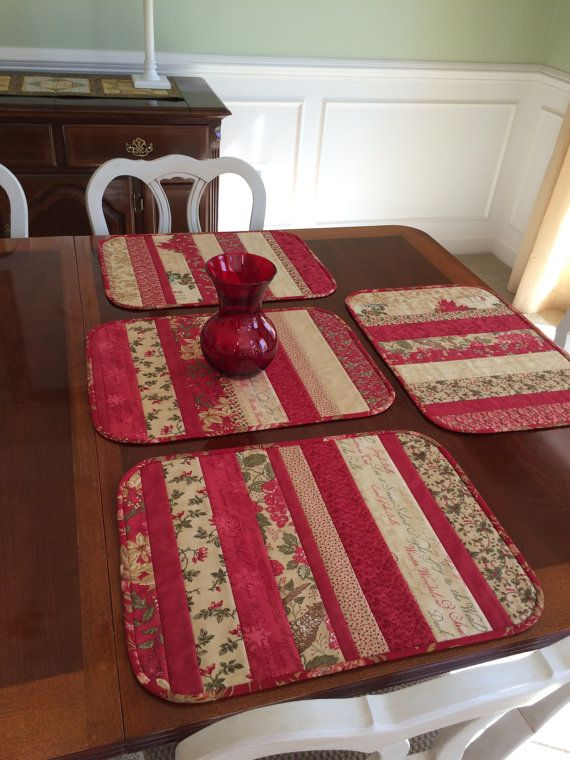 4 Quilted Christmas Placemats Red Green Beige Holiday Placemat Set Moda Fabrics Christmas Placemats Placemats Christmas Table Toppers