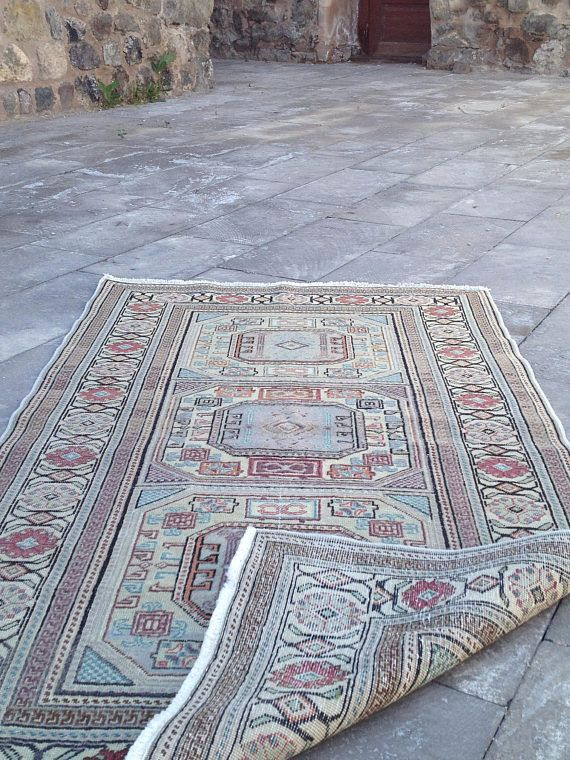 Oriental Rug Vintage Rug With Ethnic Decor From Turkey Size