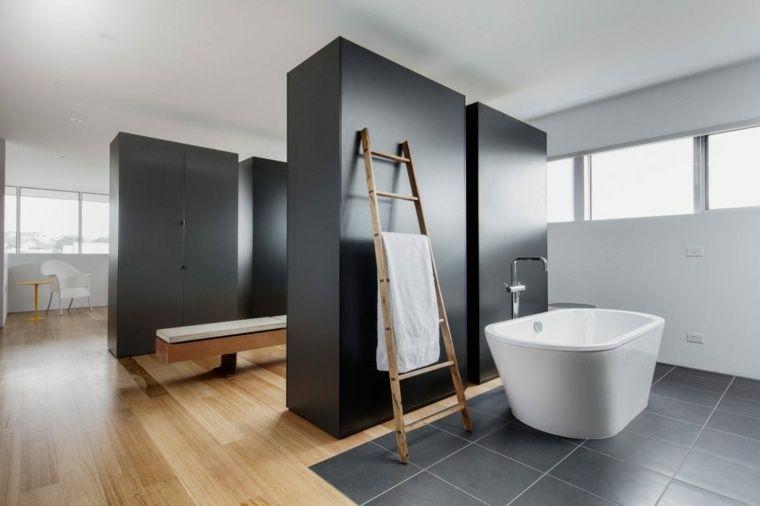 Moderne badkamer met innovatief design in voorbeelden