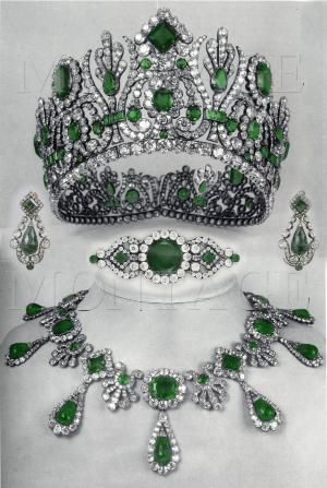 The tiara, ear pendants, brooch and necklace from the parure of Empress Marie Louise, who was only on the French throne from 1810 to 1814. by TomiSchlusz