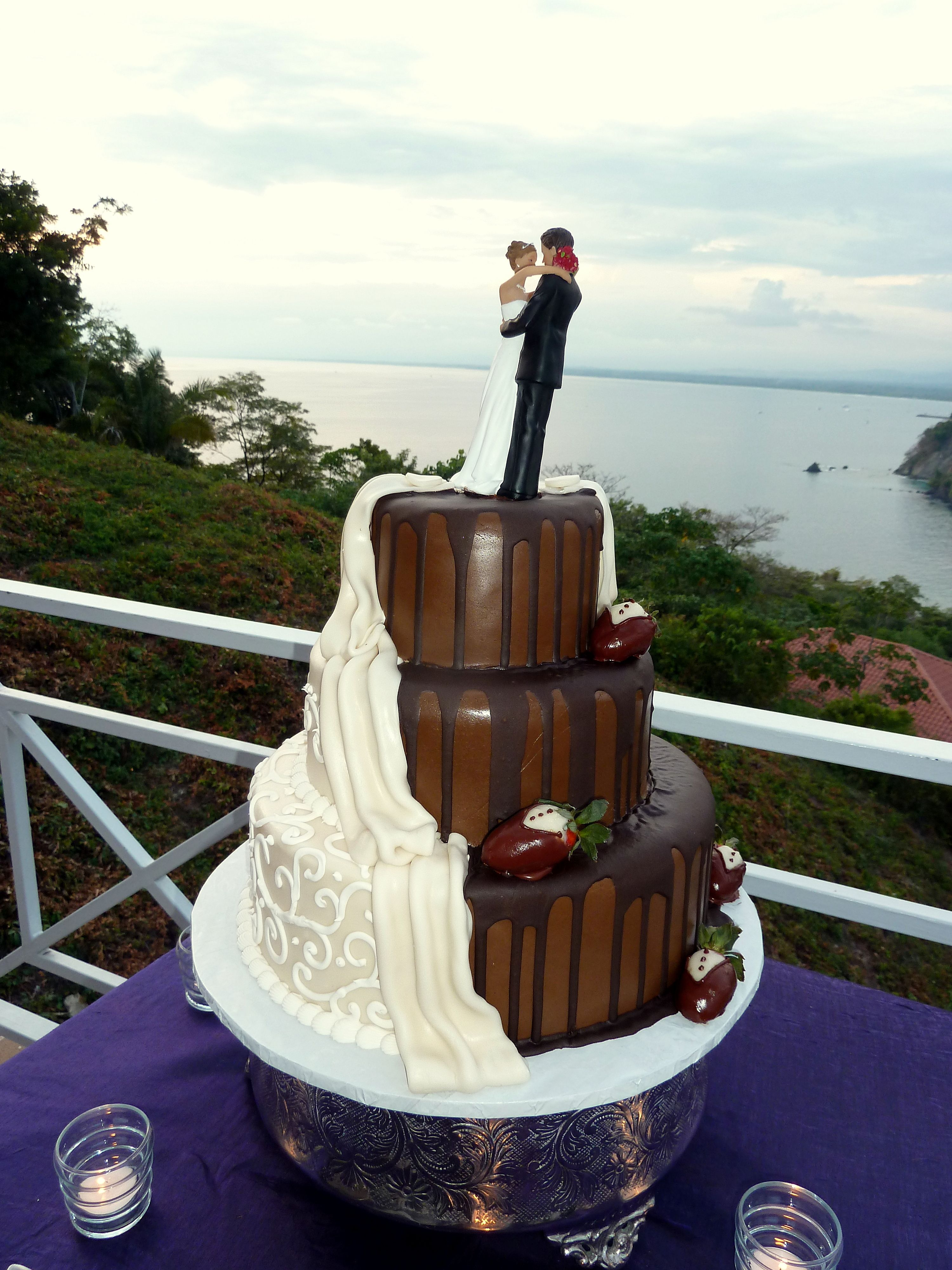 Chocolate And White Wedding Cakes