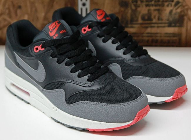 Nike Air Max 1 Mens Trainers BlackGrey