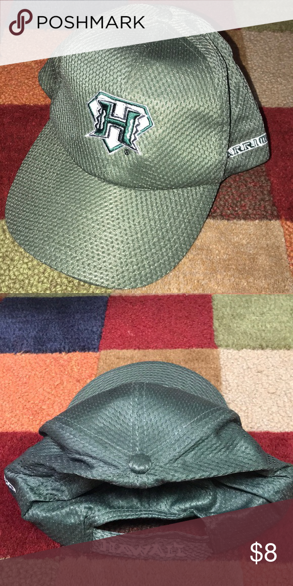 bc681cccd NWT University of Hawaii Warriors NWT UNiversity of Hawaii Warriors Velcro  adjustable hat. In perfect condition Accessories Hats