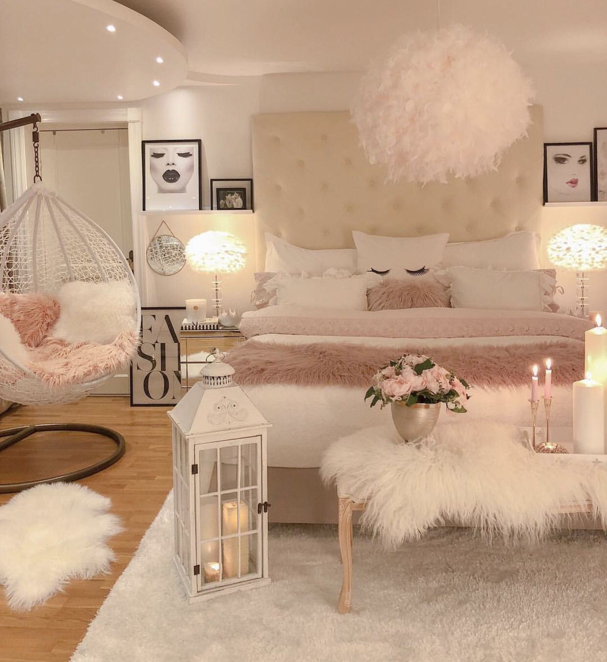 white , pink and gold bedroom  Girl bedroom decor, Room decor
