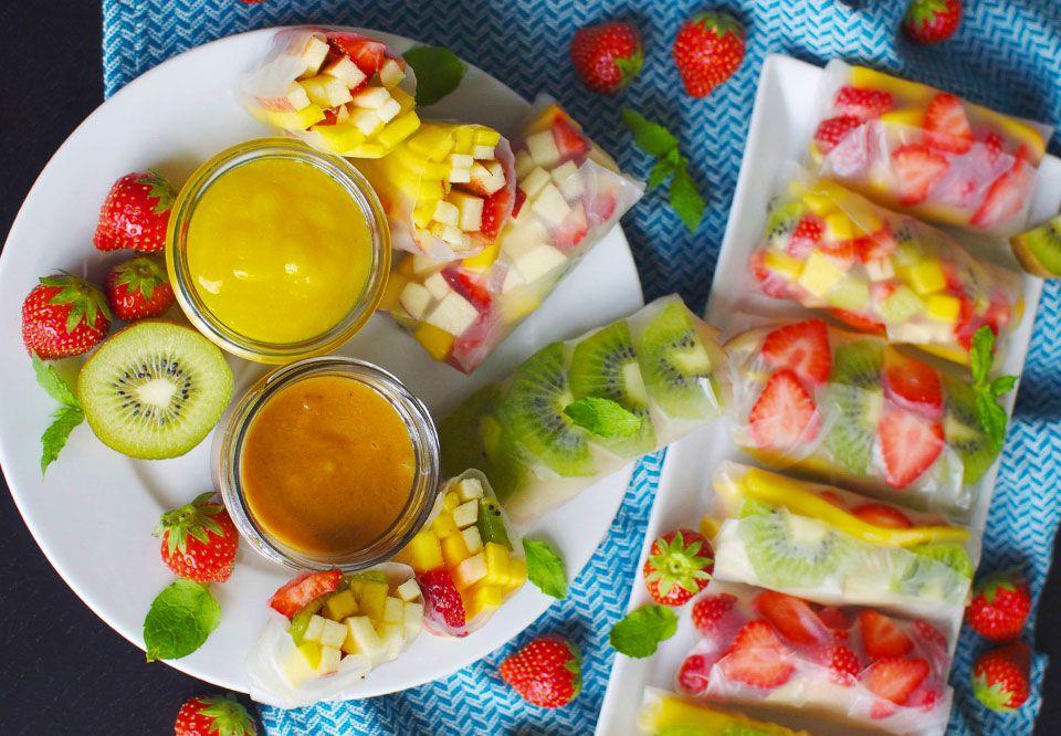 Denne dessert har alle kriterierne for at blive vores favoritdessert: sund, nem og lækker – og så er den fyldt med lækre frugter i regnbuens farver