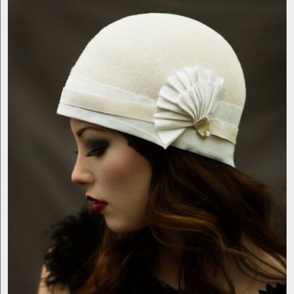 Scala Felt Cloche Never worn. Bought for a party and never used it. It s  simply stunning. I love the vintage Gatsby vibe. Scala Accessories Hats 11720eefeb19