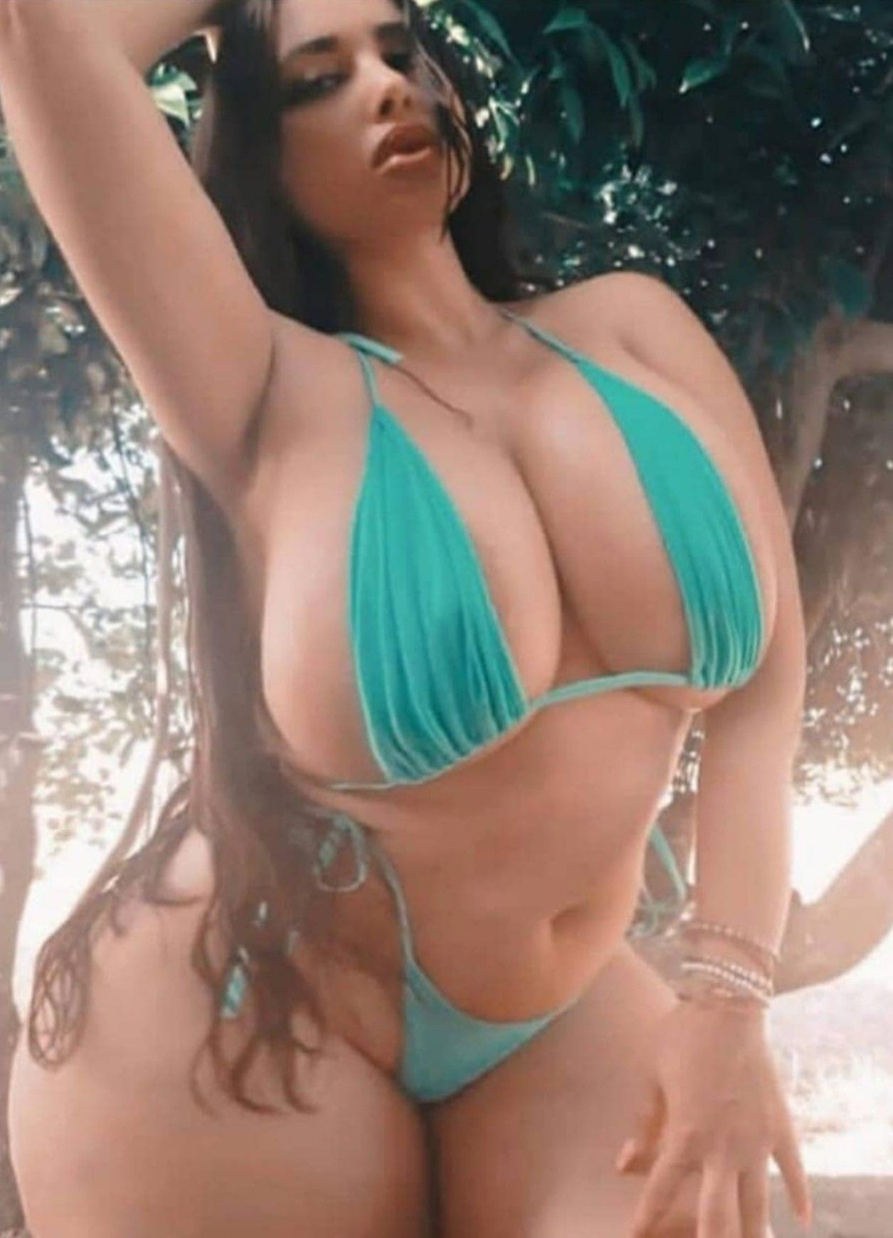 Free curvy chubby girls pictures