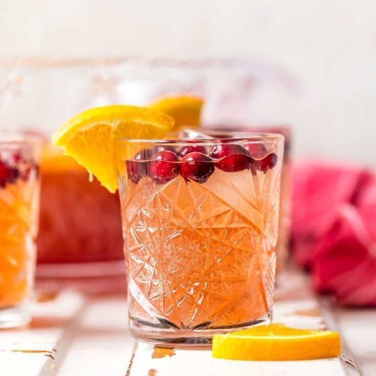 Easy Holiday Punch @FoodBlogs #punch #cocktail