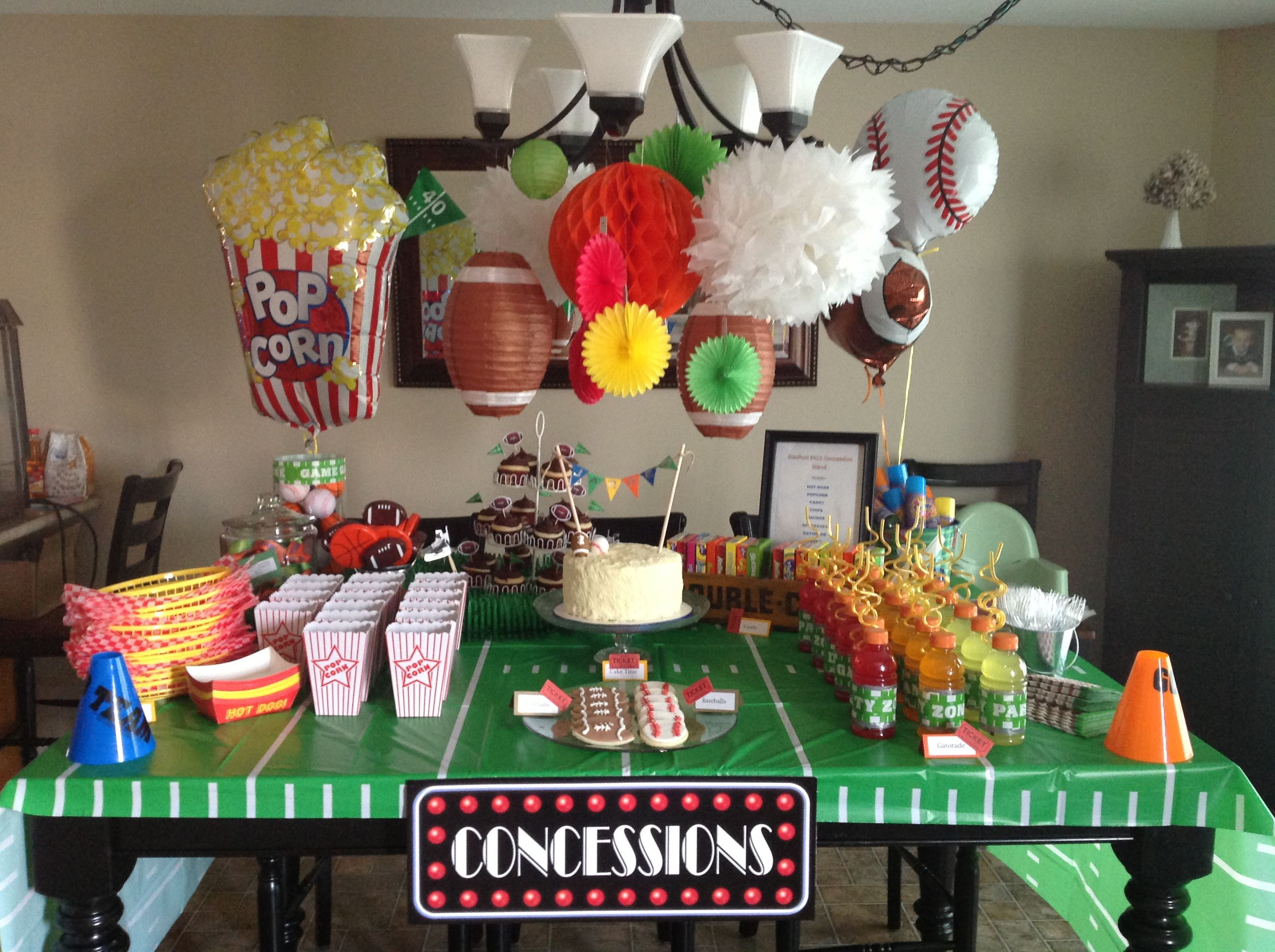 Concession stand sports party party fabulous party for Decoracion deportiva