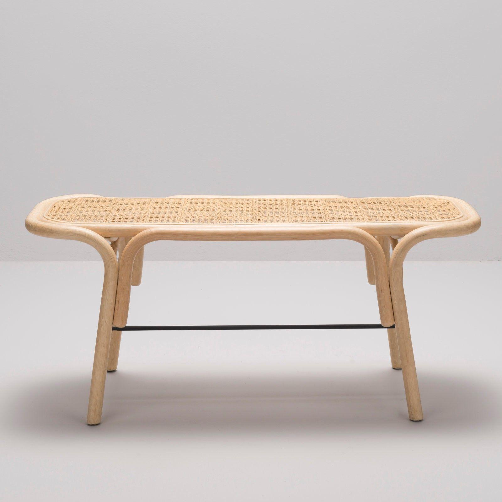 Banc En Rotin Et Cannage Design Traverse Par Le Studio Ac Al Rotin Design Cannage Mobilier De Salon