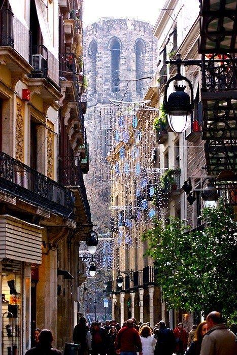 Barcelona, Spain boulevard.