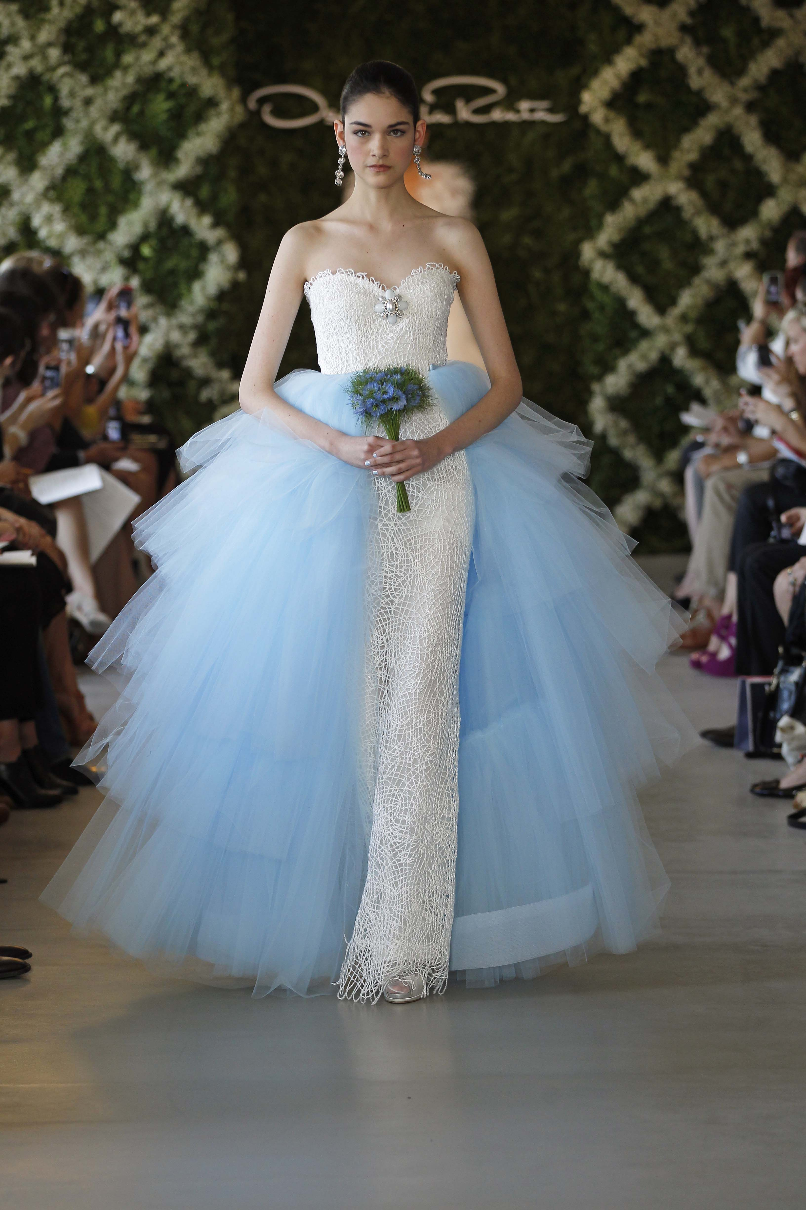 Colorful Gowns And A Crop Top Take The Runway At Oscar De La Renta