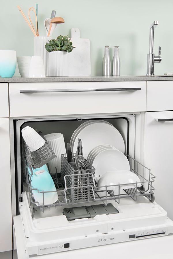 Un petit lave vaisselle intégré. http://www.darty.com/achat ...