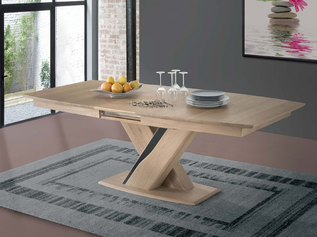 Table en bois massif pied central en x plateau tonneau for Table salle a manger design pied central