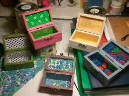 Resultado de imagen para cajas de madera pintadas