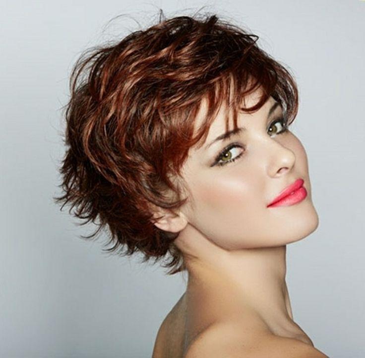 Coupe de cheveux frises femme 40 ans
