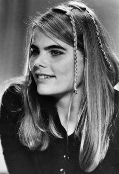 mariel hemingway     :Mariel Hemingway headshot, free use.jpg - Wikipedia