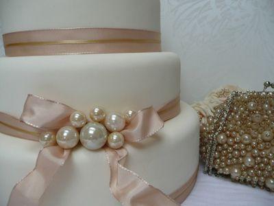 pearl and ribbon shabby chic wedding cake