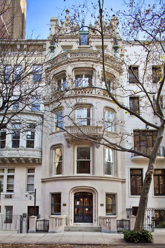 Beautiful Manhattan Townhouse Homes Display New York Townhouse
