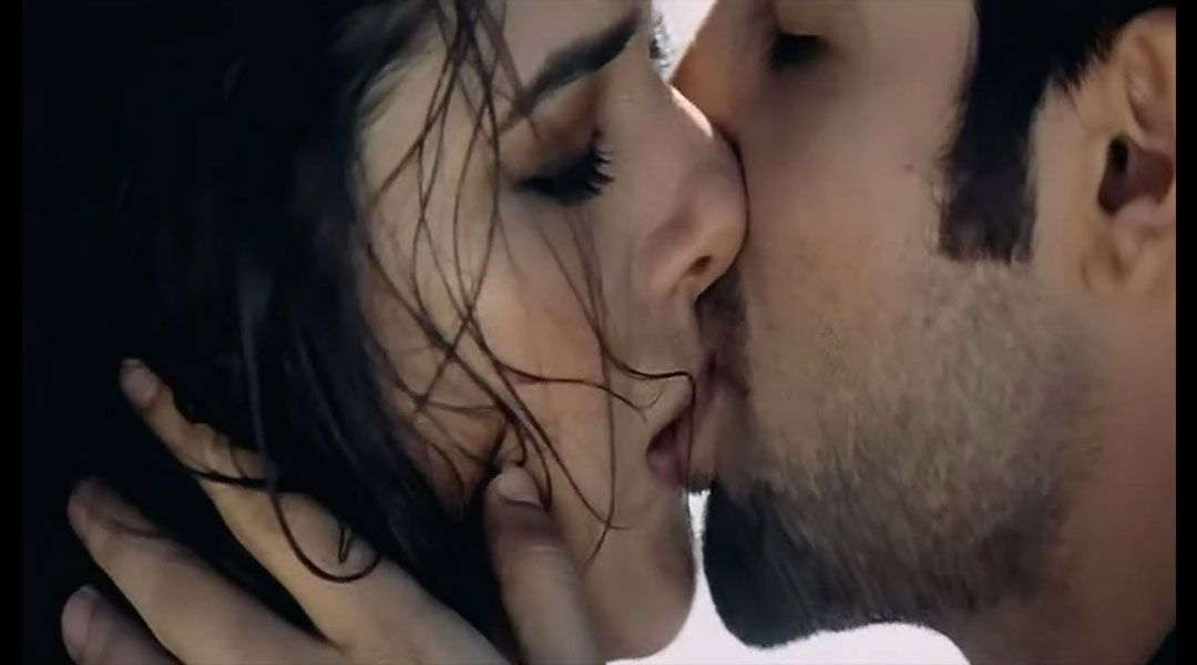 Hot Kiss Video Free