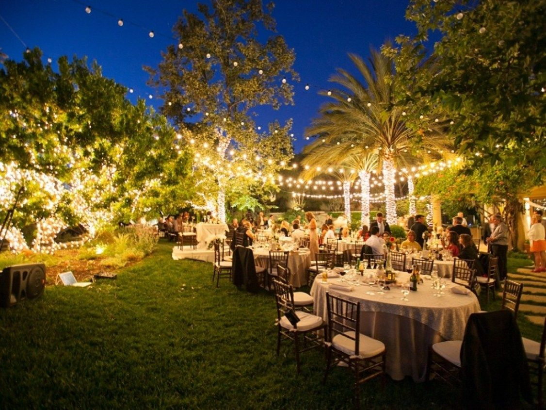 Best 32 Decorating Ideas For A Backyard Wedding | Backyard weddings ...
