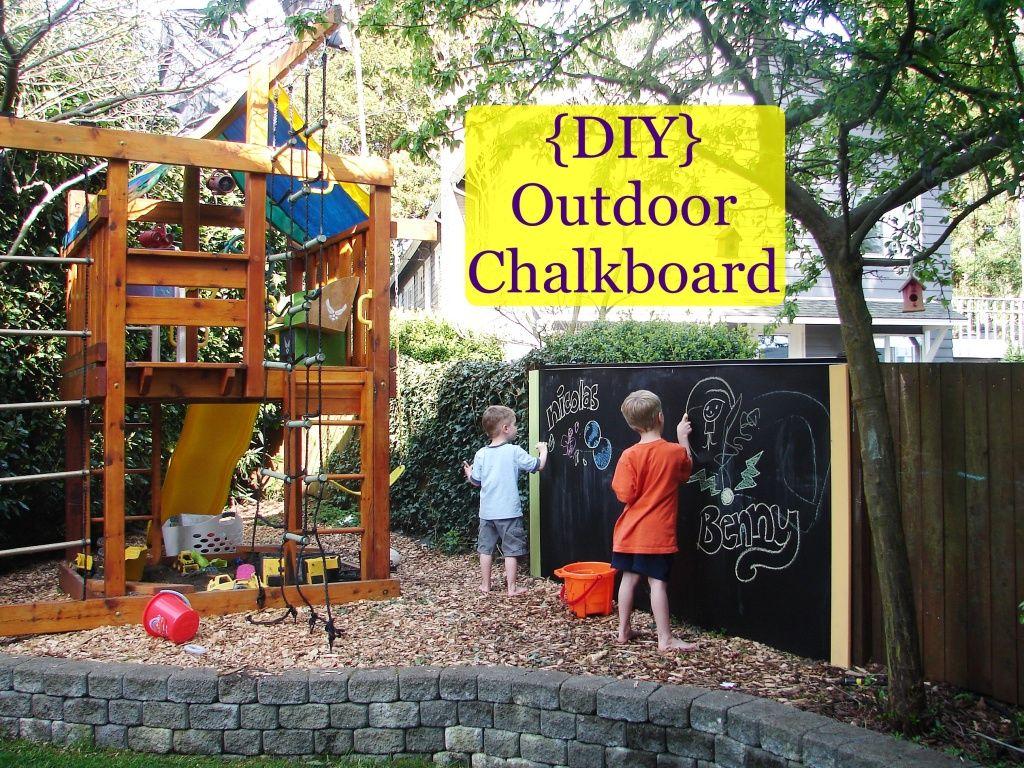 {DIY} Outdoor chalkboard, fun!