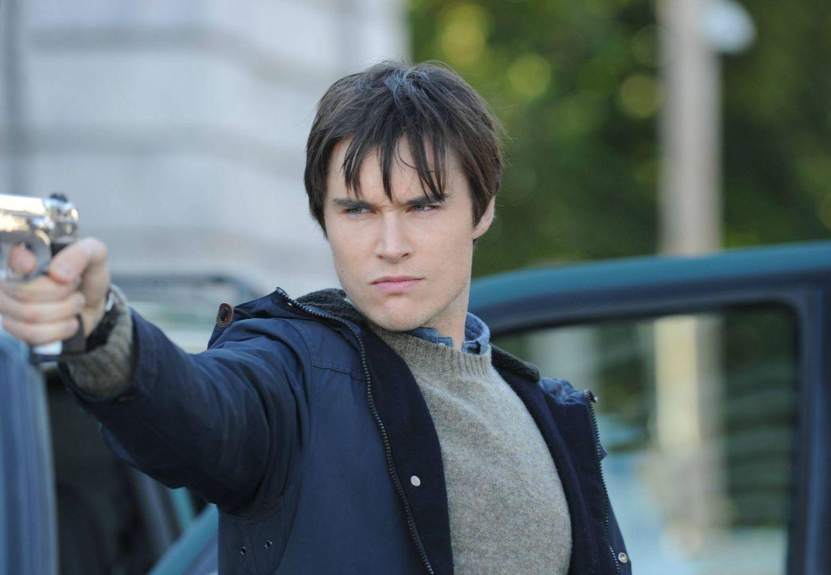 Sam Underwood as Mark Gray in The Following Animal