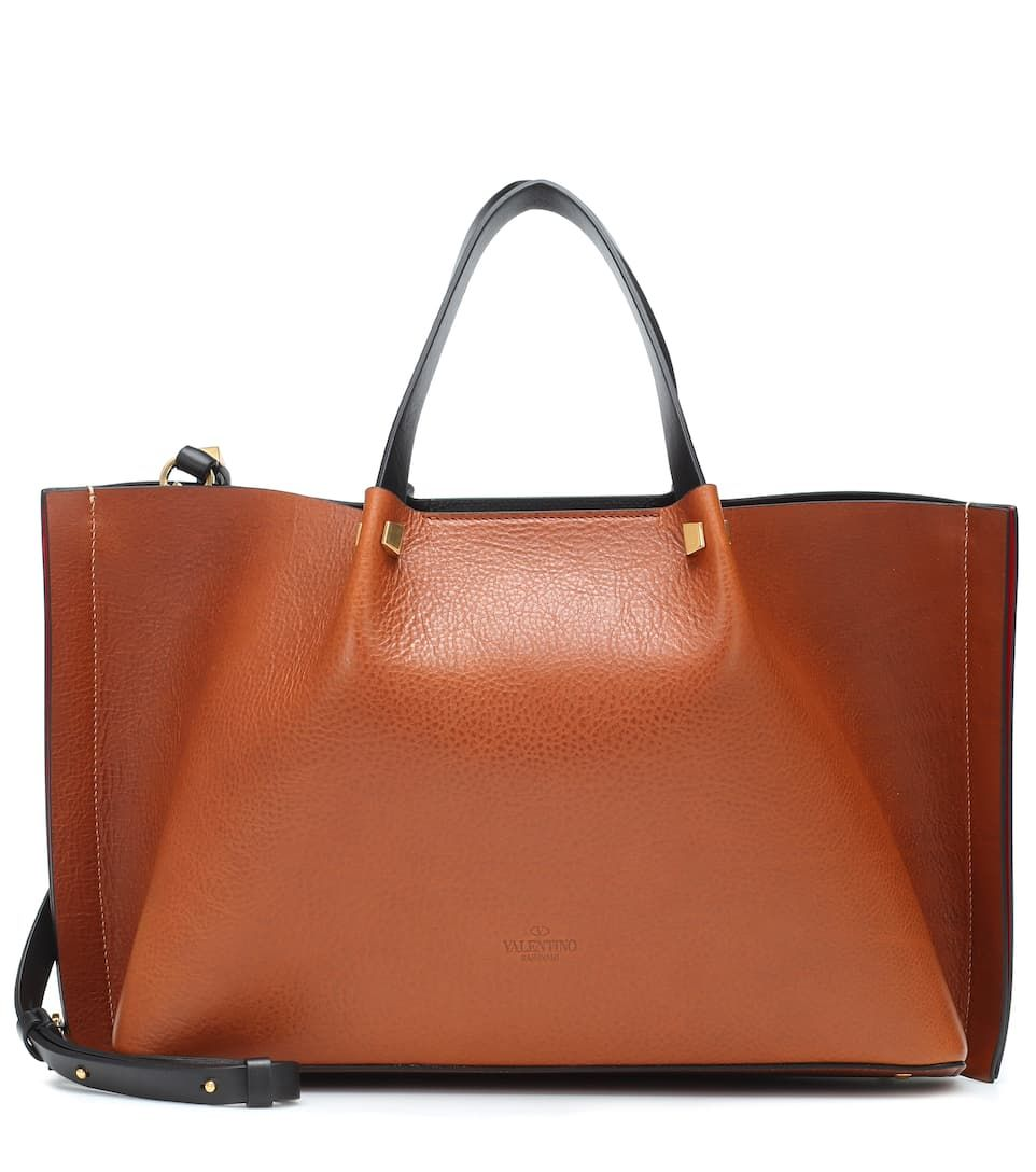 4332407fe6b Valentino Garavani VLOGO Escape Medium leather shopper in 2019 ...