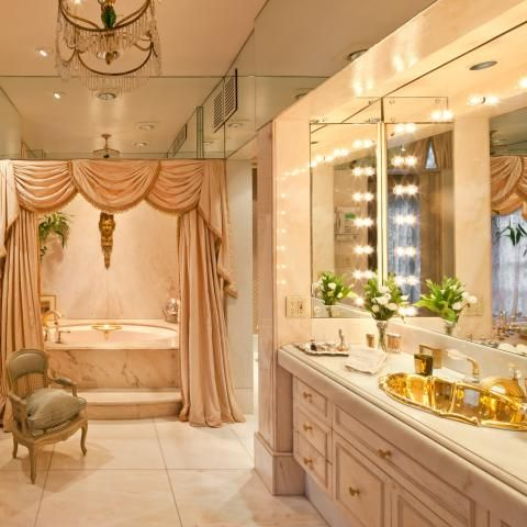 Joan rivers 39 s palatial n y c apartment goes on the market for Cuartos de bano famosos