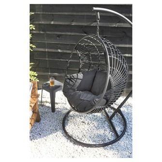 Hang Stoel Tuin.Hangstoel Joya Wicker Zwart In 2020 Hangstoel Tuinstoelen En