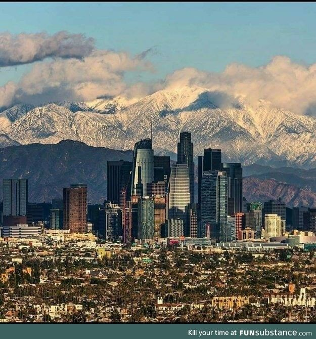 An Uncommon View Of Los Angeles Funsubstance Los Angeles Skyline Los Angeles Los Angeles Jobs