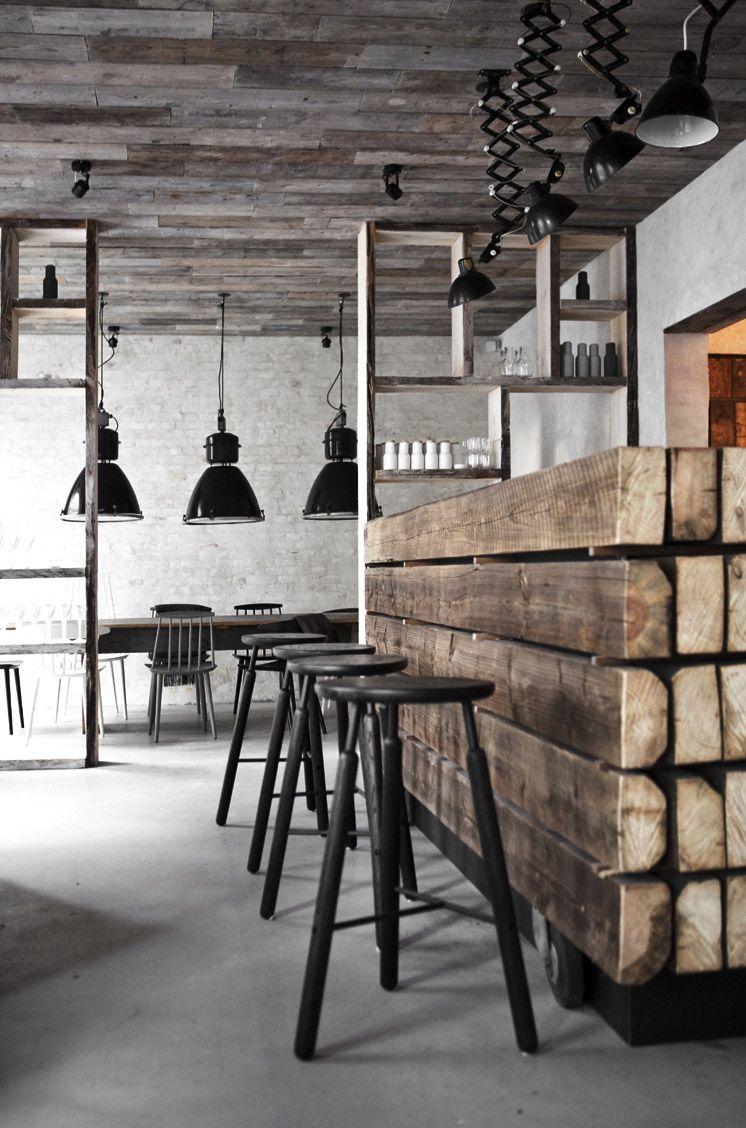 Entre industriel et rustique Bar en 1 2 rondins de bois grosses