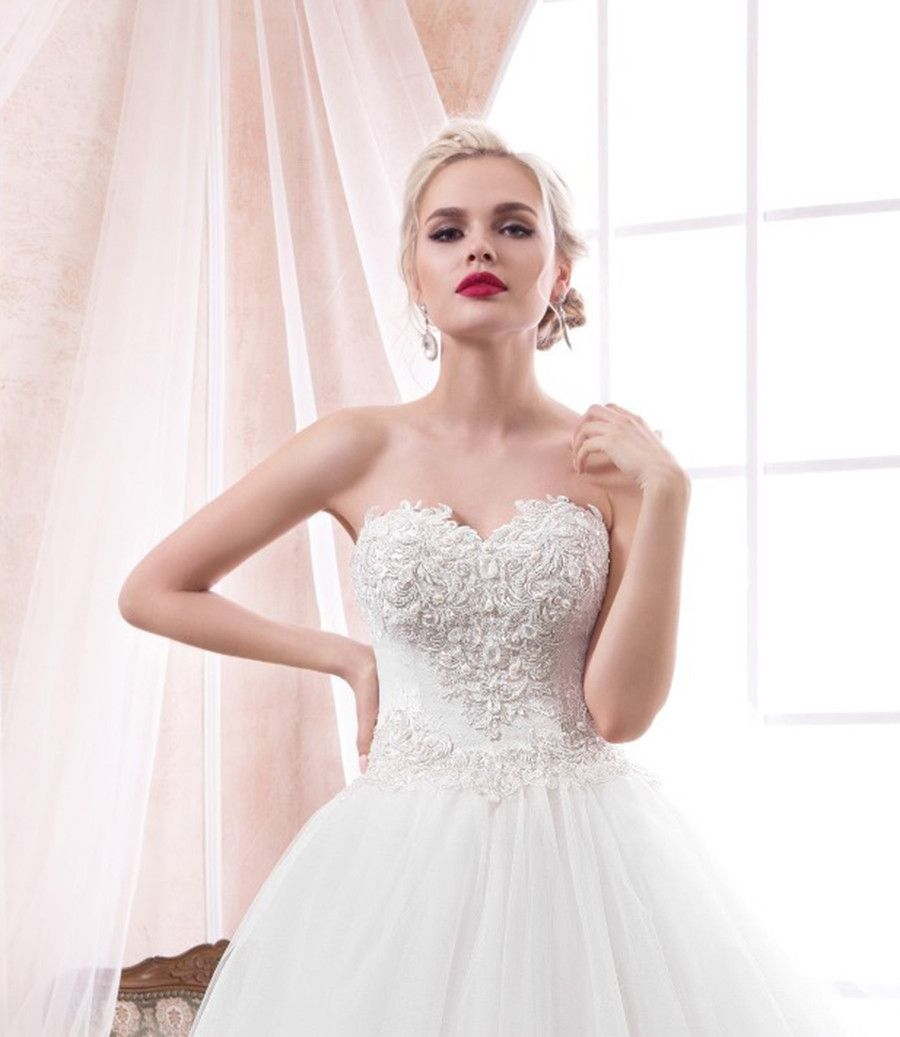 Weißes Hochzeitskleid mit Blumen 3 d | Dresses dresses and Prom