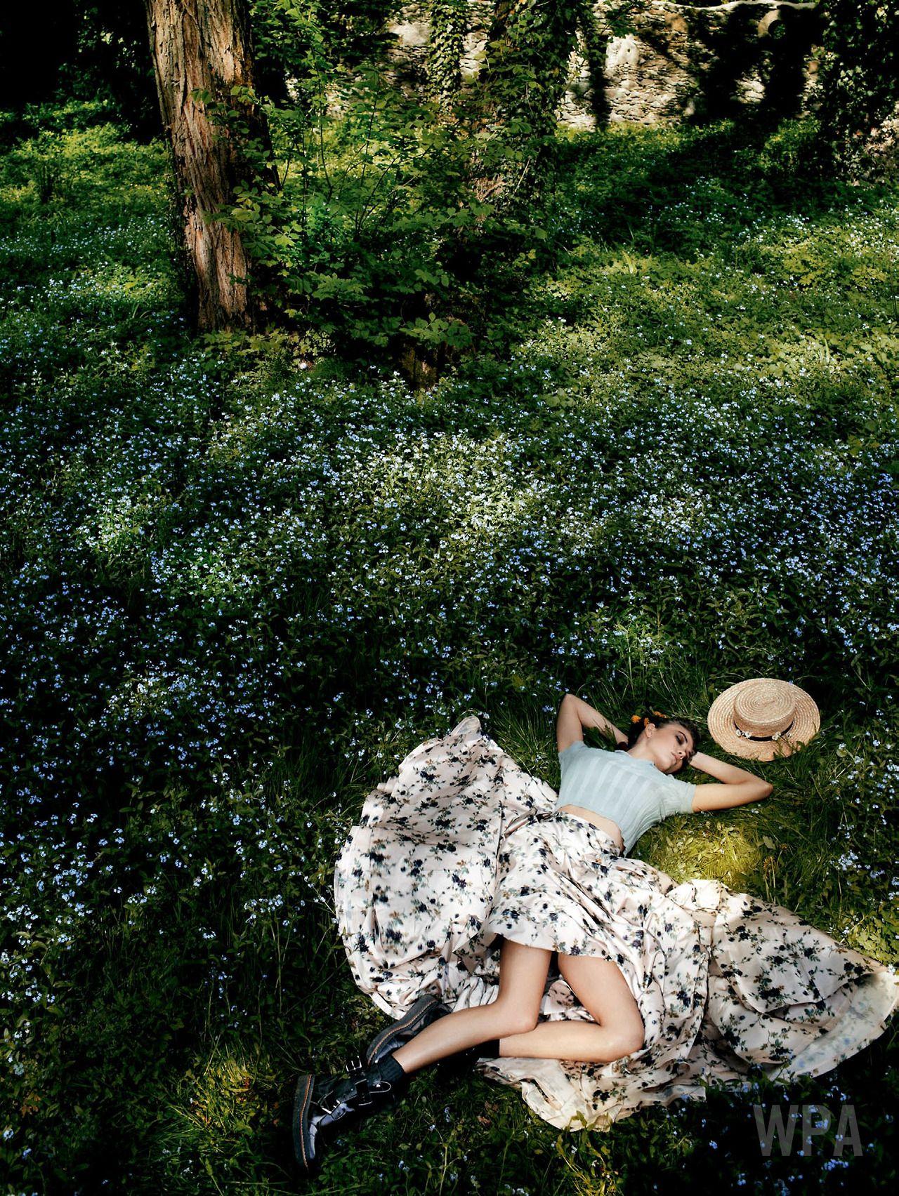 Karlie Kloss by Mario Testino