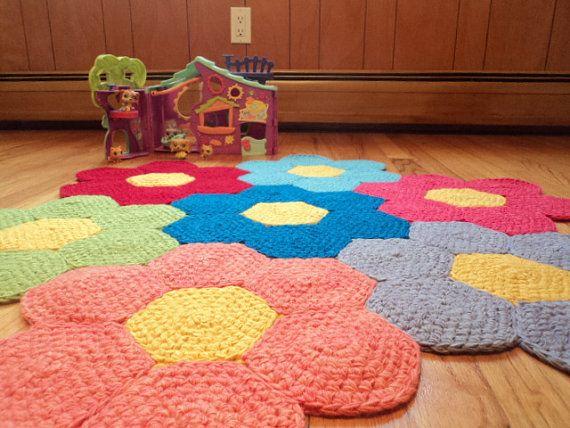 Crochet flores alfombra alfombra de vivero por for Tejidos de alfombras