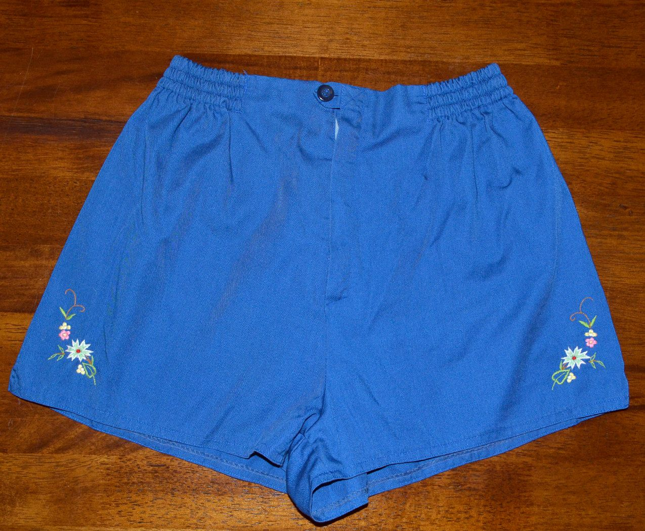 4e3e7bb3ae7a89 vintage 70s jogging shorts embroidered flower camp delicate preppy navy blue  Small 80s. $20.00, via Etsy.
