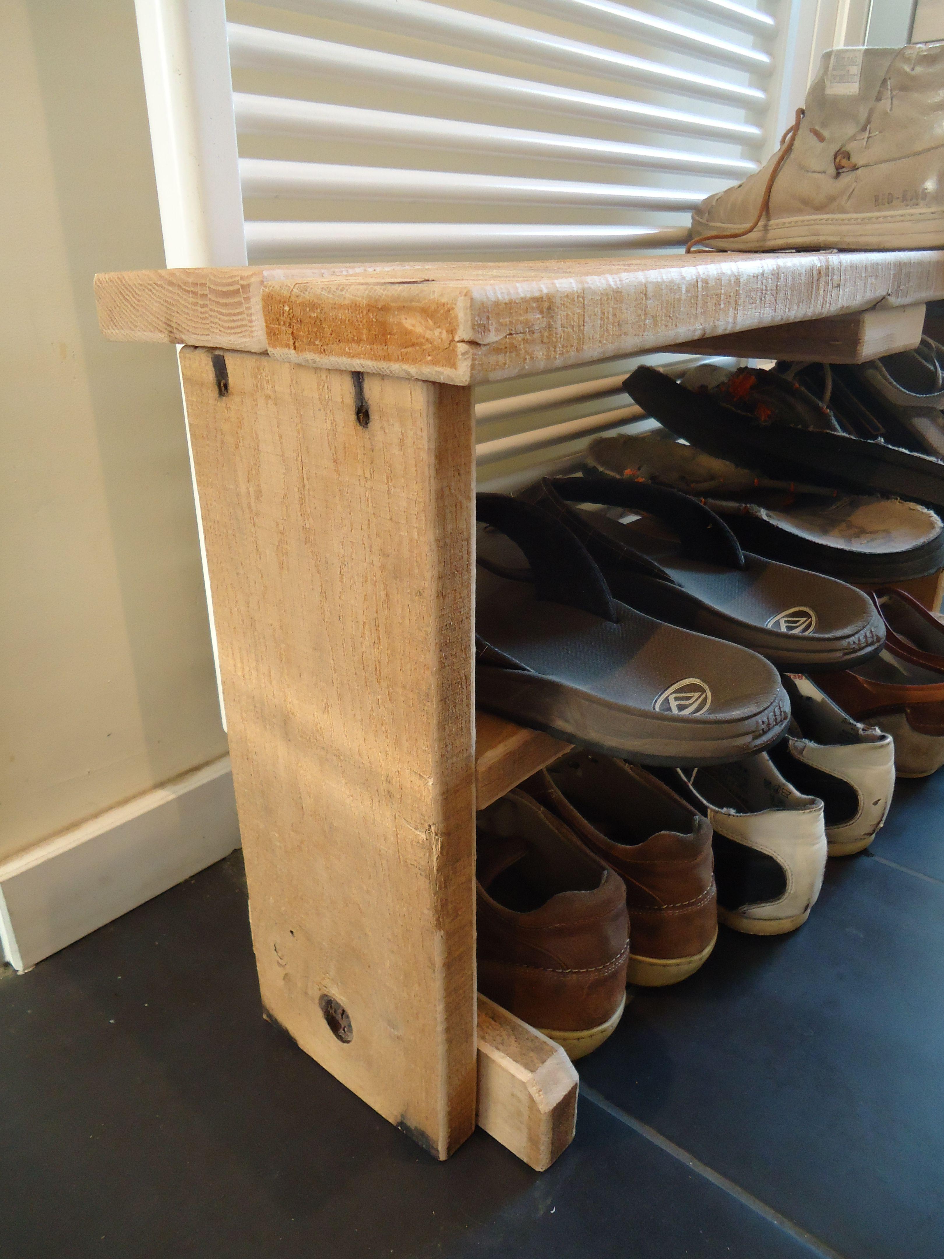 leuk schoenen bankje van oude eiken planken