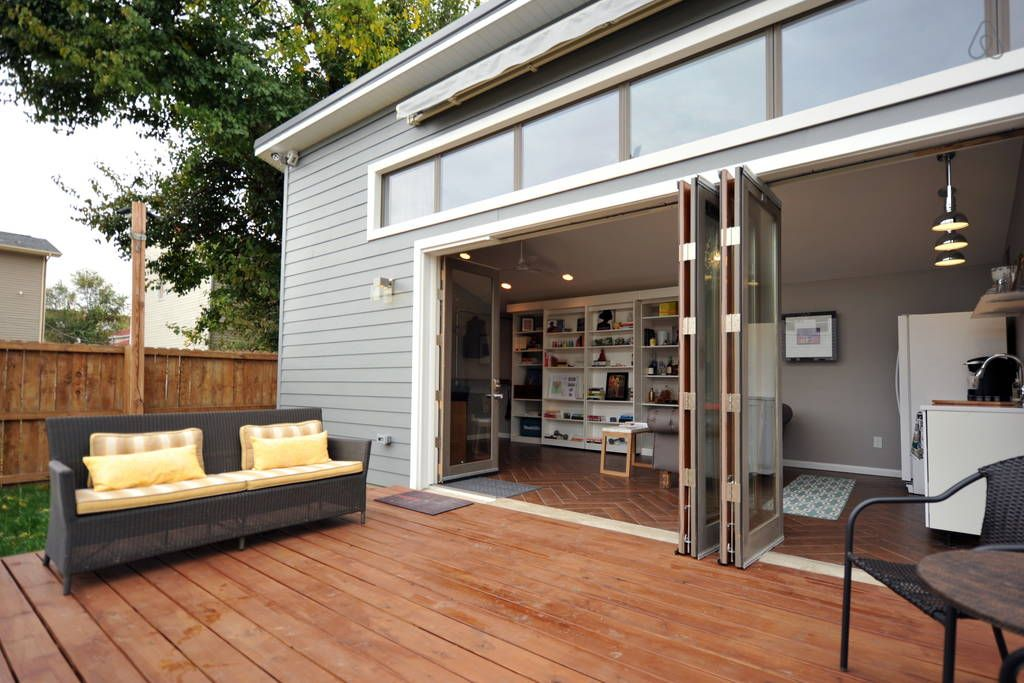 House in Louisville, United States. Louisville's first permanent Tiny House may be small in stature, but it is huge in value! The studio layout with easy to operate library, Murphy bed optimizes the 448 sq ft footprint, while not compromising comfort.  It's tiny, coming in at just u...