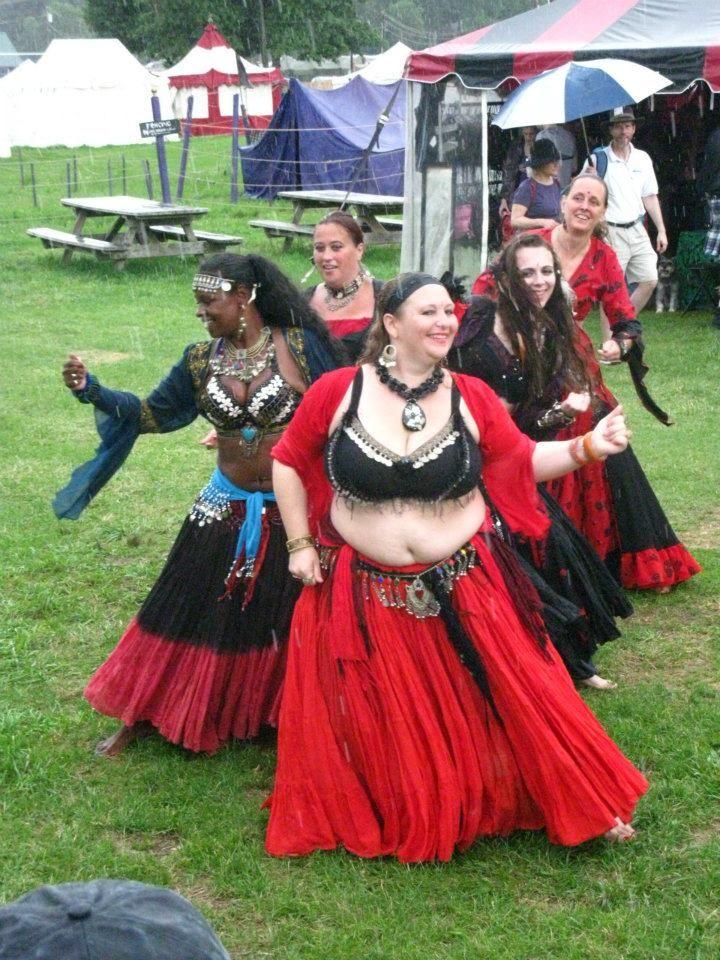Tribal de Luna  http://www.marozniabellydance.com/tribal_de_luna_gypsy_dancers